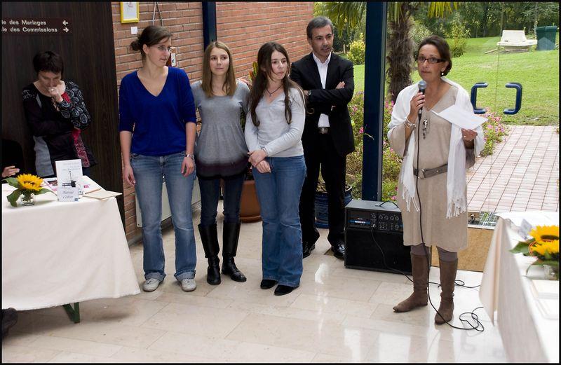SALON DE VILLEPREUX PRESENTATION DES LAUREATES DU PRIX CLARA